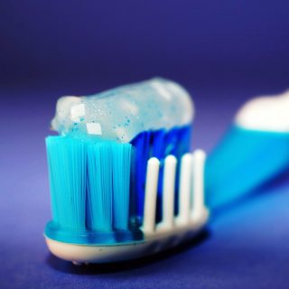 Toothpaste: Different ways of using it