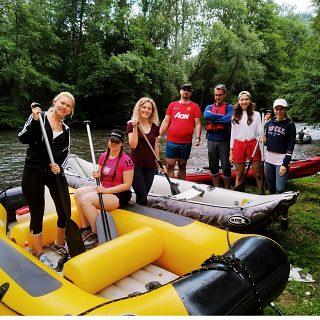 Team building: rafting on Hron